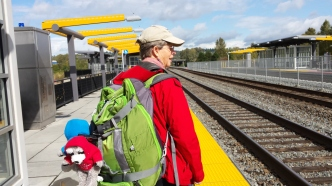 Laura and the Parkis await the Amtrak - late,what a surprise.